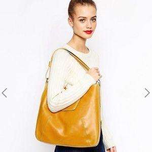 NWT Matt & Nat Goldfrapp Vintage Handbag in Stone